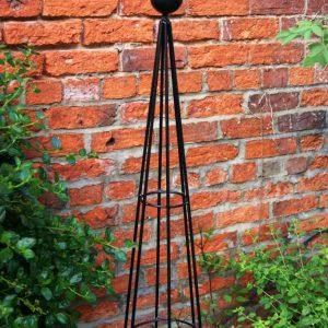 Poppy Forge Hampton Balltop Obelisk
